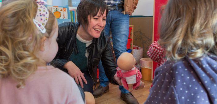 """Ana Pontón tamén visitou a Escola infantil """"A Rolada"""" e o Centro Municipal de Empresas"""