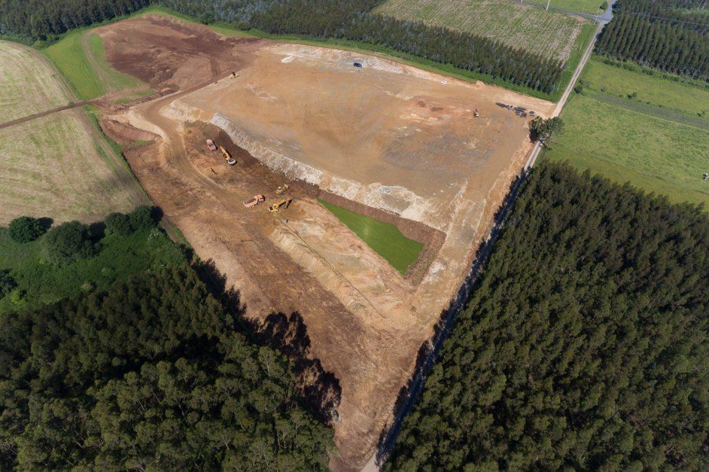 As obras da nova granxa ocupan arredor de 5 Has. de superficie