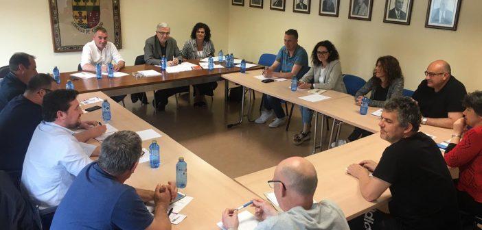 Á xuntanza asistiron representantes dos sete municipios implicados (Foto: @ConCerdido)