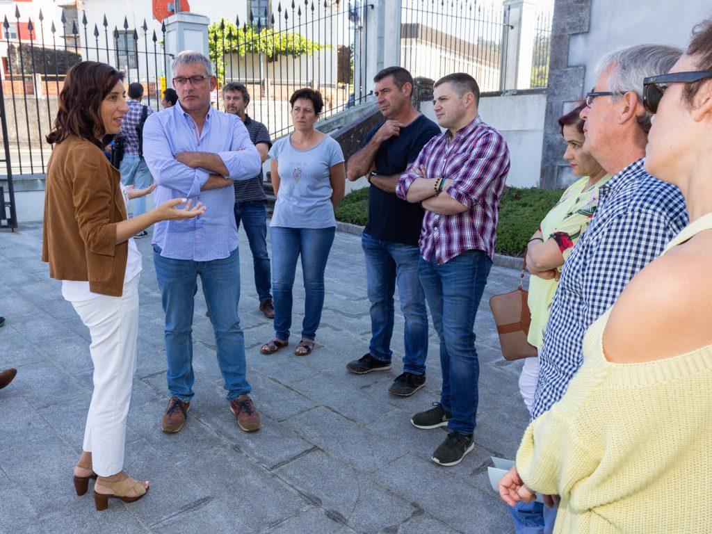 Ao encontro coa conselleira tamén asistiron os voceiros de PP e PSOE