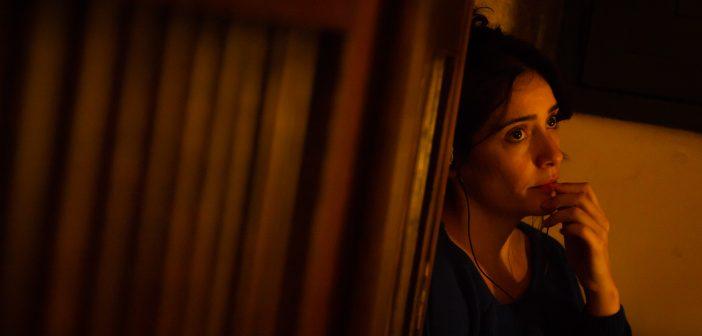 """A actriz Melania Cruz nun momento da rodaxe da curta """"Arrolo"""", de Lucía Estévez"""