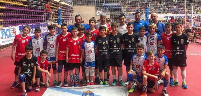 Os tres equipos galegos nunha foto de familia ao final do campionato (Foto: Facebook do CV Aldebarán)