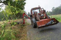 No lote vai incluído o tractor e a pá dianteira, pero non a rozadora traseira